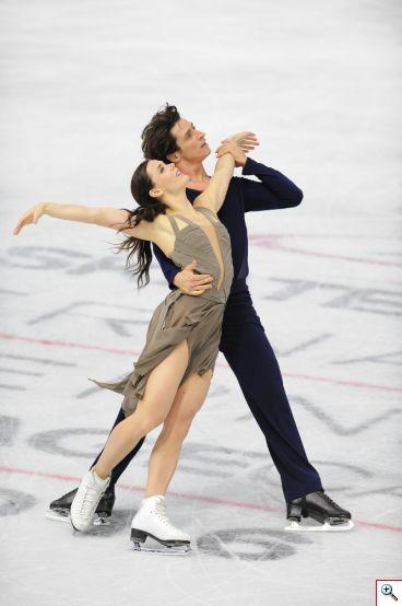 Tessa Virtue y Scott Moir, campeones olímpicos del 2010 y subcampeones olímpicos del 2014 obtuvieron el primer puesto en danza en Skate Canada International 2016. Foto cortesía Skate Canada/Stephan Potopnyk