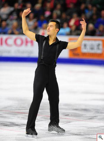 Patrick Chan, actual campeón canadiense lidera después del programa corto la competencia en varones. Foto cortesía Skate Canada/Stephan Potopnyk.