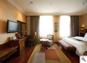 Confortables cuartos ofrece el Hotel Crowne Plaza Minsk. Foto cortesía Hotel Crowne Plaza Minsk