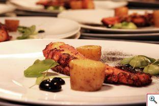 """Tercer platillo del Food Clash Canteen """"Ven a Comer"""" preparado por el chef mexicano radicado en Berlín Raúl Oliver. Foto cortesía Berlin Food Week"""